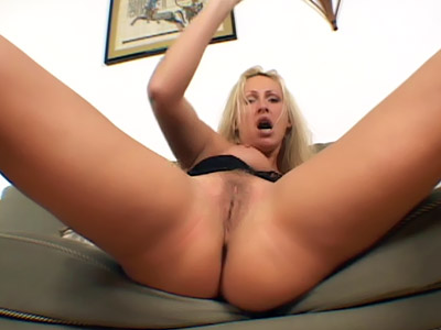 Mature Mandy Bi-racial Threeway