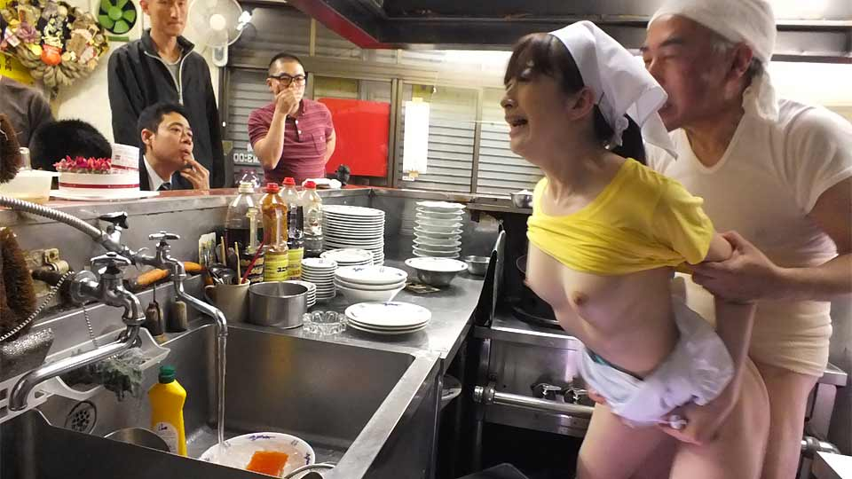 Mimi Asuka Ravaged In A Cafe In Public